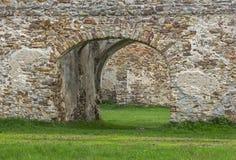 Fragment von alten Steinruinen Stockfotos