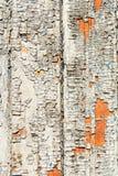 Fragment von altes Grau abgezogenen hölzernen Planken Schicht von altem gebrochenem lizenzfreie stockfotografie