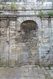 Fragmentalte Steinwand Lizenzfreies Stockbild