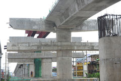 Fragmente a vista da estrada sob a reconstrução em Banguecoque, Thail Imagem de Stock