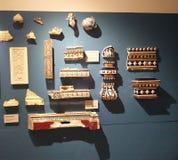 Fragmenten van ceramische delen waarvan het product wordt geassembleerd stock foto