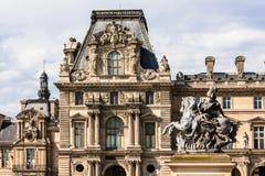 Fragmenten van het Louvrepaleis het Louvremuseum Parijs, Frank Royalty-vrije Stock Fotografie