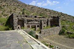 Fragmentet av Bhangarh fördärvar i Rajasthan, Indien, det är ett av de mest spökade ställena på jord Arkivbilder
