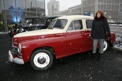 Fragmentet av den retro gamla bilen Volga GAZ - seger` för ` M-20 - bilen är ett symbol av segern av Ryssland i WW2 - USSR Arkivbild