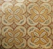 Fragmentet forntida Roman Fresco Mosaic Tiles på arkeologiskt fördärvar i den Moabite gränsstaden av Madaba, Jordanien Arkivfoton