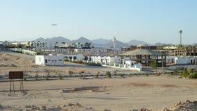 Fragmento da cidade do Sharm el Sheikh no fundo das montanhas de Sinai no por do sol Timelapse filme