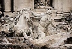 Fragmento da fonte do Trevi (Fontana di Trevi) Imagens de Stock