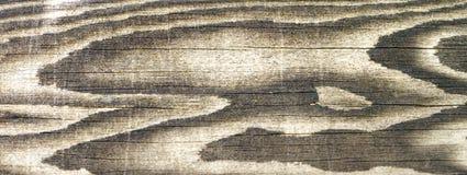 Fragmento da parede da casa de madeira velha imagens de stock