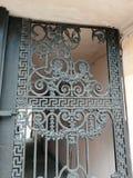 fragmento de la decoración de la puerta imágenes de archivo libres de regalías