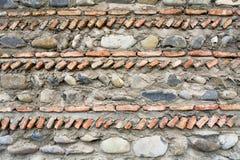 Fragmento de la pared de albañilería del templo Svetitskhoveli imagenes de archivo