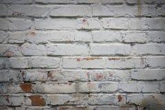 Fragmento de la pared de ladrillo vieja blanqueada, fondo Fotografía de archivo