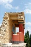 Fragmento de las ruinas del palacio de Knossos imagenes de archivo