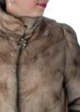 Fragmento de los abrigos de pieles femeninos del visión Imagenes de archivo