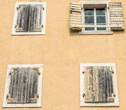 Fragmento de los edificios de la ciudad vieja de Budva, Montenegro La primera mención de esta ciudad es hace más de 2600 años Fotografía de archivo