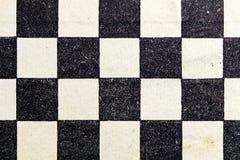 Fragmento de uma placa de xadrez de papel Fundo preto e branco abstrato fotos de stock
