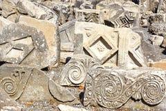 Fragmento de un bajorrelieve en la ciudad antigua Ephesus Foto de archivo libre de regalías