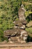 Fragmento de una escultura del Khmer Fotos de archivo