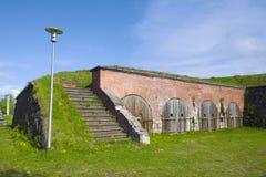 Fragmento del bastión antiguo en un día soleado de junio Hamina finlandia Foto de archivo