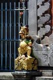Fragmento del edificio en estilo auténtico Arquitectura antigua de Indonesia fotografía de archivo libre de regalías