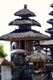 Fragmento del edificio en estilo auténtico Arquitectura antigua de Indonesia foto de archivo libre de regalías