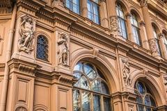 Fragmento del estilo de la arquitectura de Art Nouveau de la ciudad de Riga, Letonia Foto de archivo