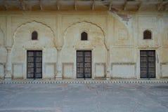 Fragmento del fuerte majestuoso de Jaigarh en Jaipur Rajasthán la India Imágenes de archivo libres de regalías