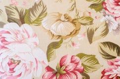Fragmento del modelo retro colorido de la materia textil de la tapicería con floral Imagen de archivo
