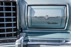 Fragmento do carro luxuoso pessoal Ford Thunderbird, 1978 Fotos de Stock