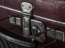 Fragmento do close-up dos fechamentos e dos prendedores no couro do vintage Foto de Stock