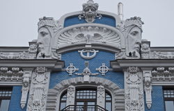 Fragmento do estilo da arquitetura de Art Nouveau da cidade de Riga. Fotos de Stock Royalty Free