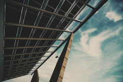 Fragmento do painel fotovoltaico enorme Fotografia de Stock Royalty Free