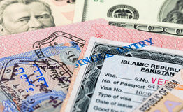 Fragmento do selo de visto no passaporte Imagens de Stock Royalty Free
