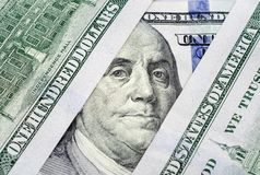 Fragmentos de billetes de banco cientos dólares de primer Fotografía de archivo libre de regalías