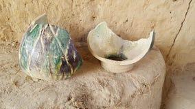 fragments des plats faits il y a 2200 ans Photographie stock libre de droits