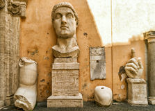 Fragments of a statue of Constantine in the Capitoline Hill, Rom Stock Photos