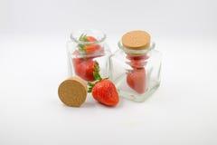 Fragola & bottiglia Fotografia Stock Libera da Diritti