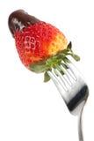 Fragola del cioccolato sulla forcella fotografia stock libera da diritti