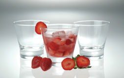 Fragola del ghiaccio della frutta della bevanda Fotografia Stock Libera da Diritti