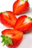 Fragola rossa della bacca isolata su fondo bianco fotografia stock