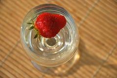 Fragola in un vetro Fotografia Stock Libera da Diritti