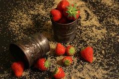 Fragole con zucchero Fotografia Stock Libera da Diritti