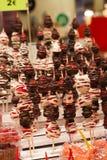 Fragole immerse cioccolato alla barra del dessert Fotografie Stock