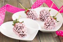 Fragole rosa del cioccolato Immagini Stock Libere da Diritti