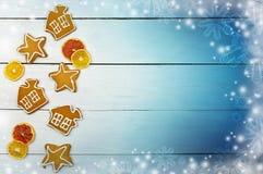 Fragrant świąteczni ciasta na drewnianym tle Boże Narodzenia com Zdjęcia Stock
