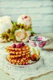 Fragrant opłatki z jagodowym i miodowym kumberlandem zdjęcia stock