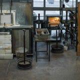 Fragua en el taller de un herrero fotos de archivo libres de regalías