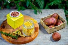 Frais généraux de nourriture sans employer le plastique image libre de droits