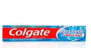 Frais maximum de Colgate avec le souffle élimine la pâte dentifrice Image stock