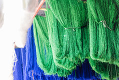 Frais peint en laine verte et bleue de moutons de couleur Photographie stock libre de droits