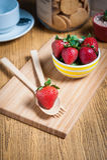 Fraise et jus frais sur la table en bois Configuration plate Images libres de droits